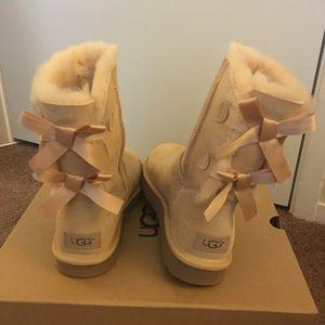 NIB UGG Bailey Bow II Boots / Women size 6, 7, 8